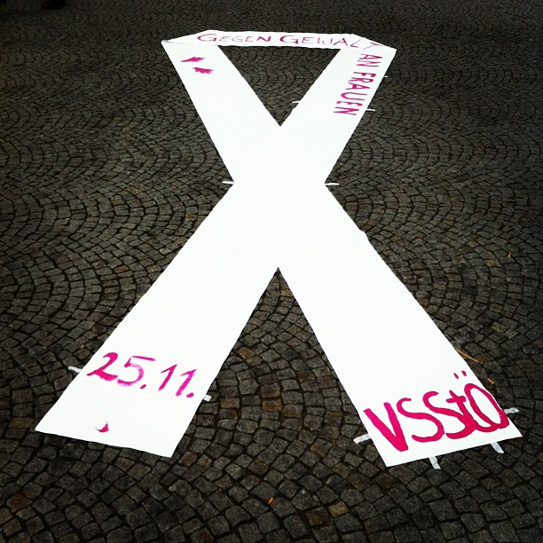 Schleife Tag gegen Gewalt an Frauen